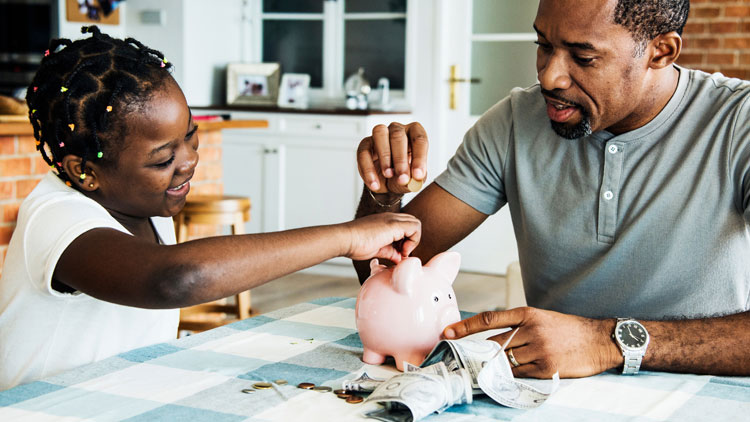 Activities Beyond the Screen to Teach Your Kids to Be Financially Fit